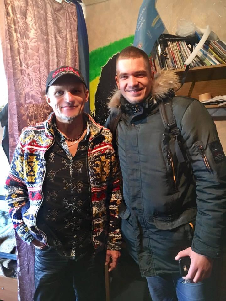 Олег Скрипка в общежитии КПИ
