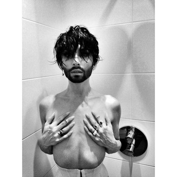 """Кончіта Вурст: найвідвертіші фото """"бородатої жінки"""""""