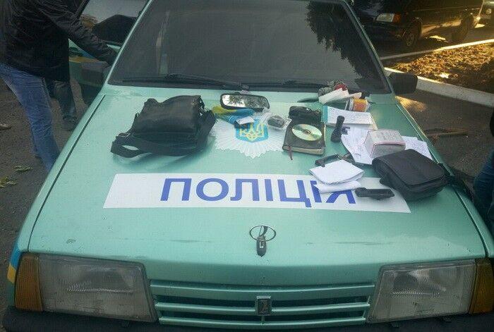 ВНиколаевке задержали четырех полицейских, которые добивались деньги завымышленное изнасилования