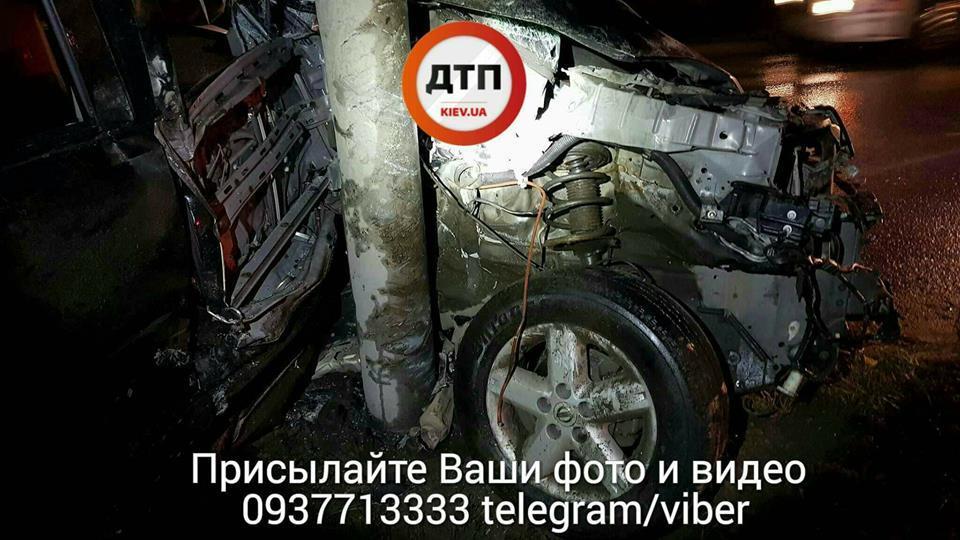 Сложило вдвое: в Киеве случилось новое жесткое ДТП с иномаркой