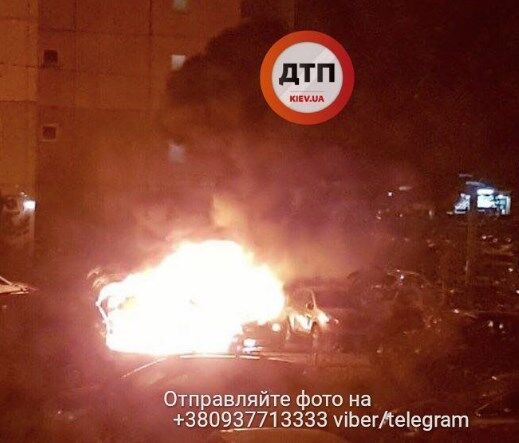 ВКиеве ночью подожгли 3 авто