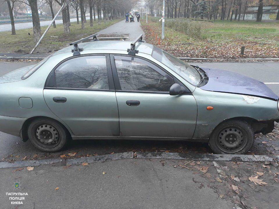 Решил поразвлечься: в Киеве мужчина угнал авто и устроил ДТП