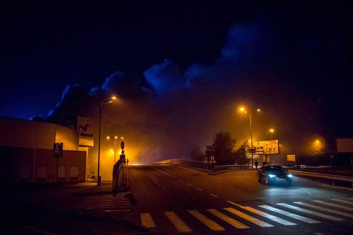 Ночью 10ноября горел супермаркет «Ашан» вТРЦ Sky Mall