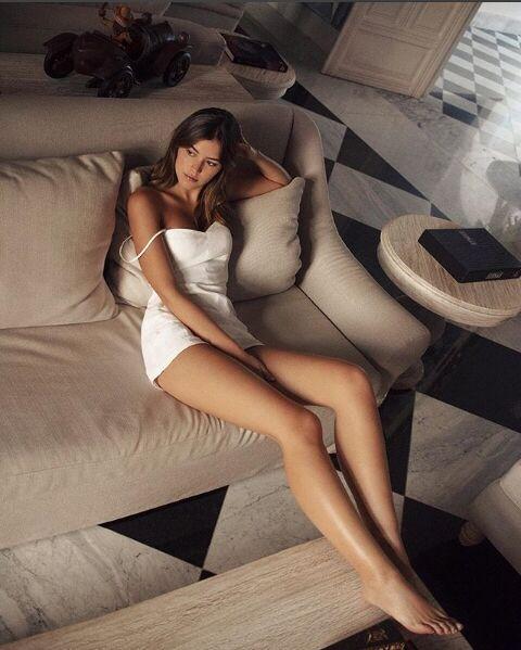 Міс Всесвіт зі скандалом презентувала форму збірної Колумбії