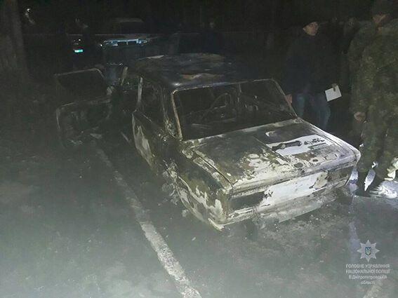 На Днепропетровщине авто полицейских обстреляли из гранатомета: копы ранены