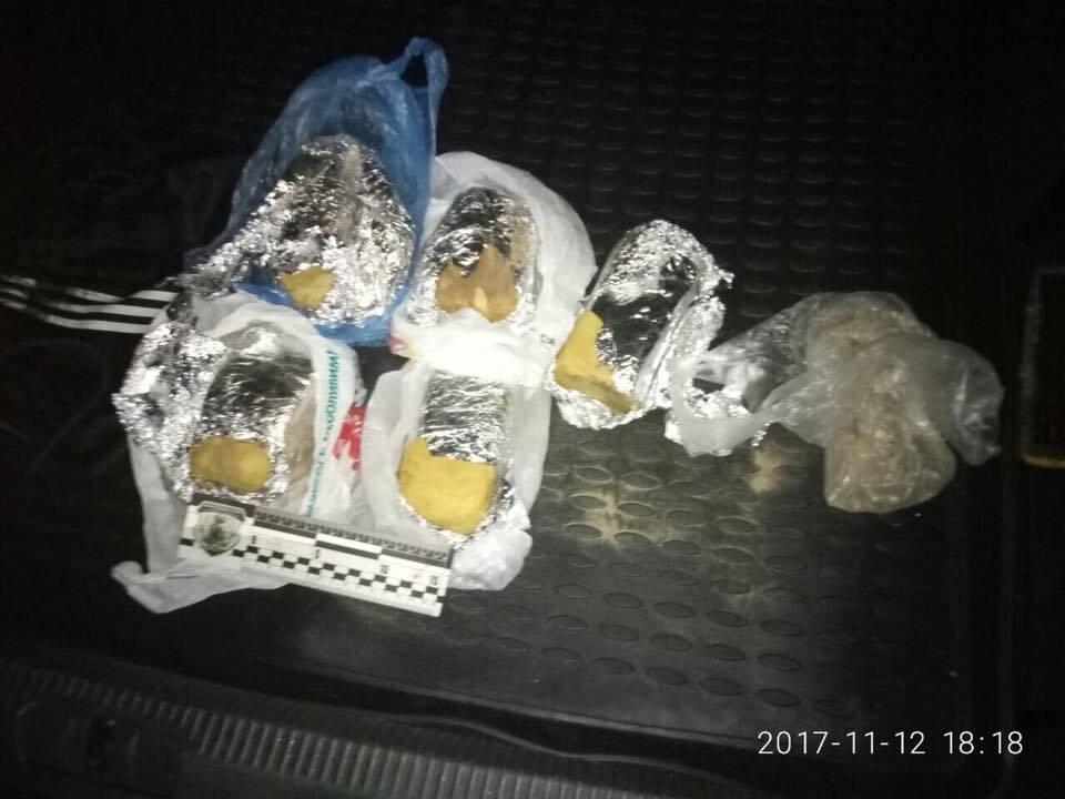 В Киеве у торгового центра нашли взрывчатку