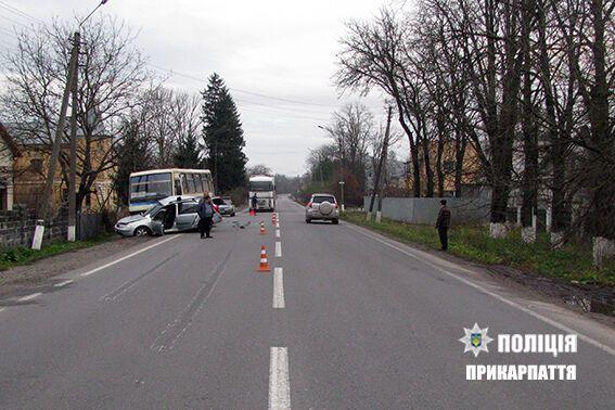 ДТП з маршруткою і легковиком