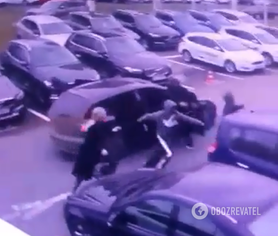 Добыча на три миллиона: камера засняла момент дерзкого налета в Киеве