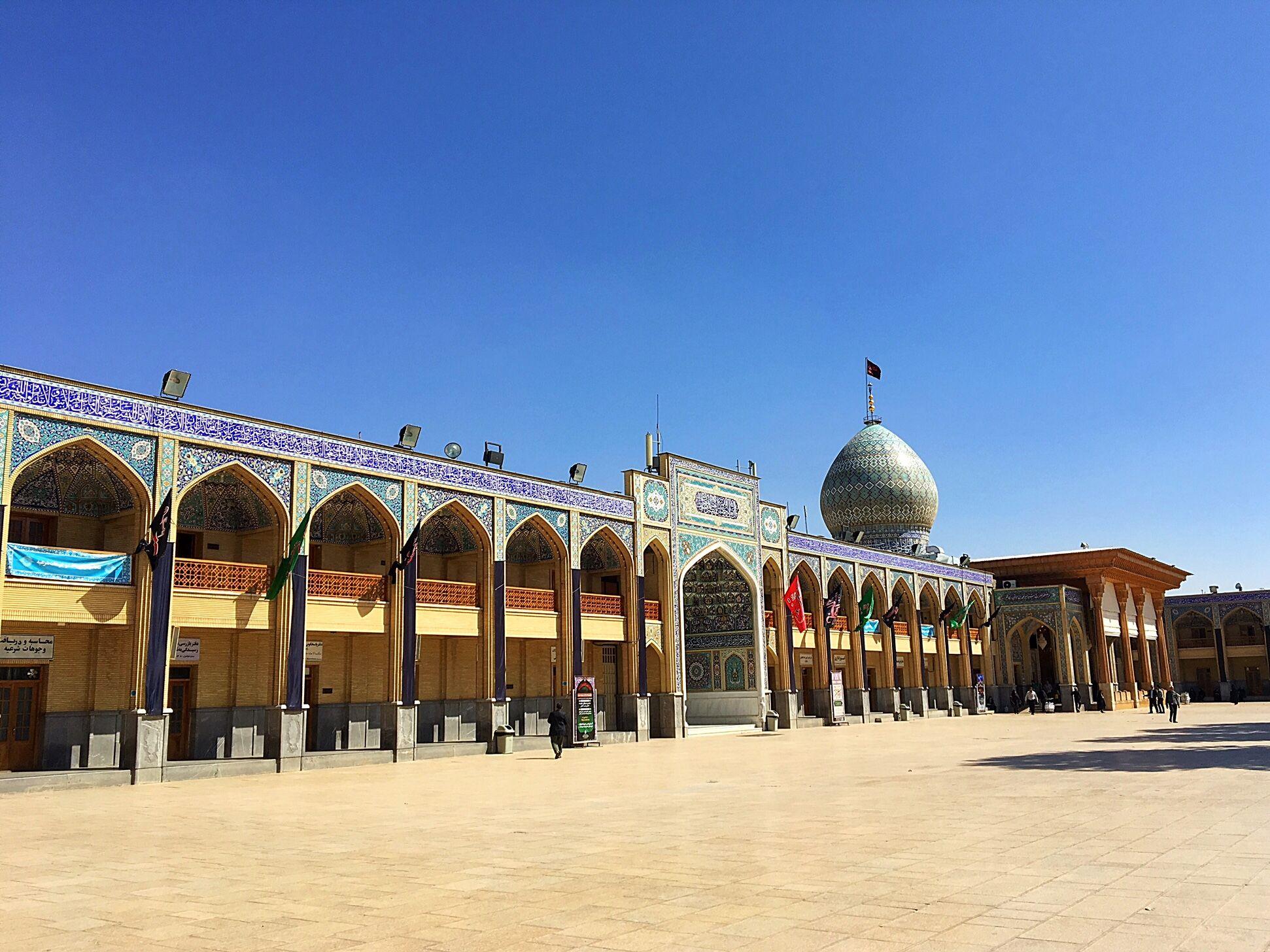 Площадь в комплексе Шах Шерах