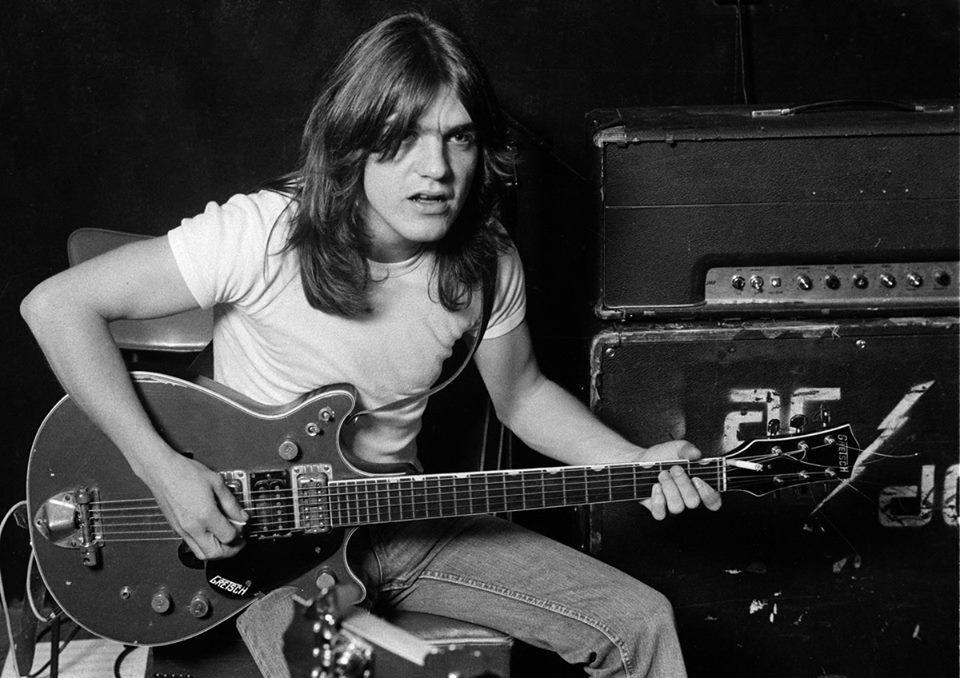 Помер один із засновників легендарної рок-групи AC/DC