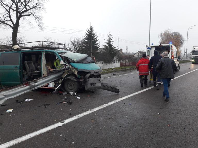 Влетел в автобус с пассажирами: в Харькове произошло смертельное ДТП