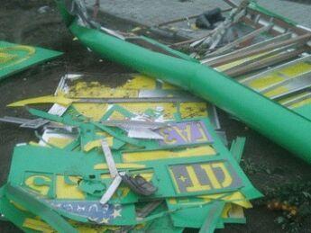 В Запорожской области ураган снес табло с автозаправки (ФОТО)