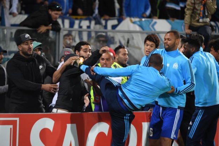 Знаменитий французький футболіст побився з фанатом на матчі Ліги Європи