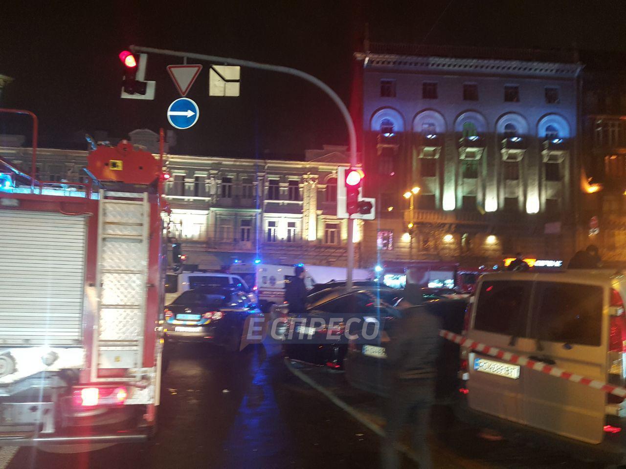 В центре Киева в стриптиз-клуб бросили взрывпакеты: все подробности