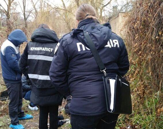 В лесопарковой зоне нашли обезглавленное тело мужчины
