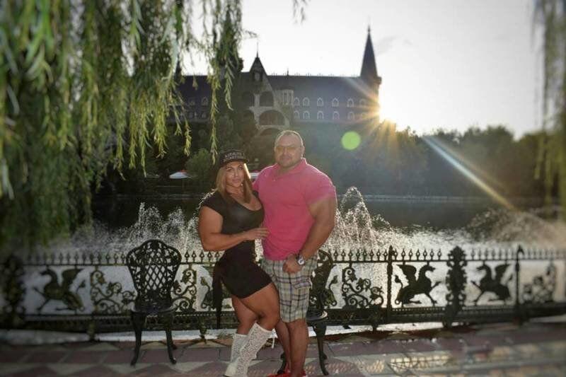 Наталья замужем за МС по вольной борьбе Владиславом Кузнецовым