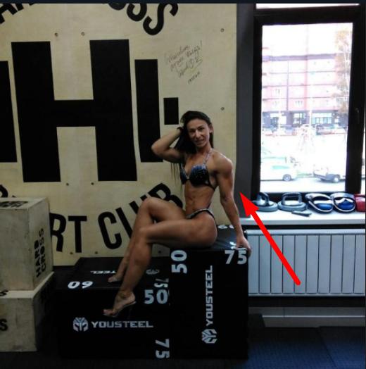 Российская чемпионка глупо опозорилась, похваставшись полуголым фото