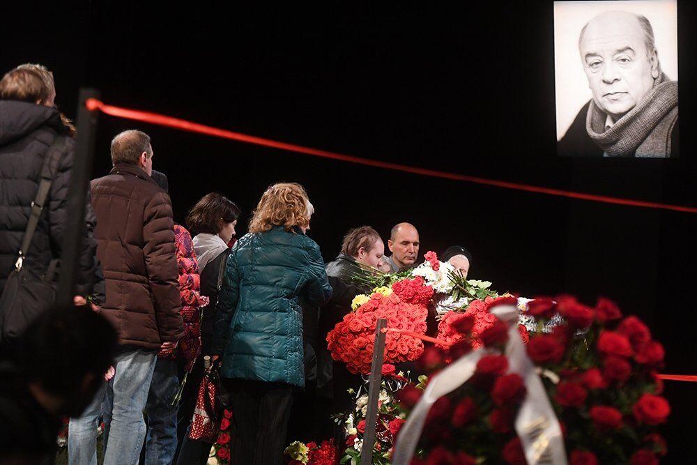 В Москве попрощались с Леонидом Броневым