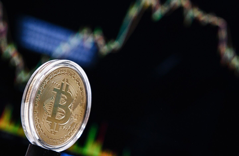 """Грандиозный """"пузырь""""? Что ждет биткоин"""