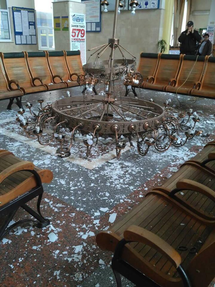 Києву підготуватися: епічну НС на вокзалі в Херсоні показали з висоти