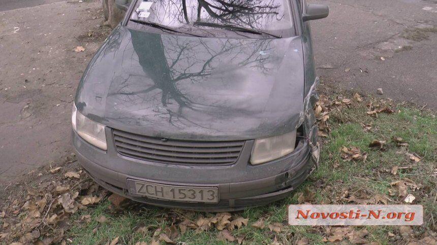 Пытался сбежать, но уснул: в Николаеве пьяный таксист устроил жесткое ДТП