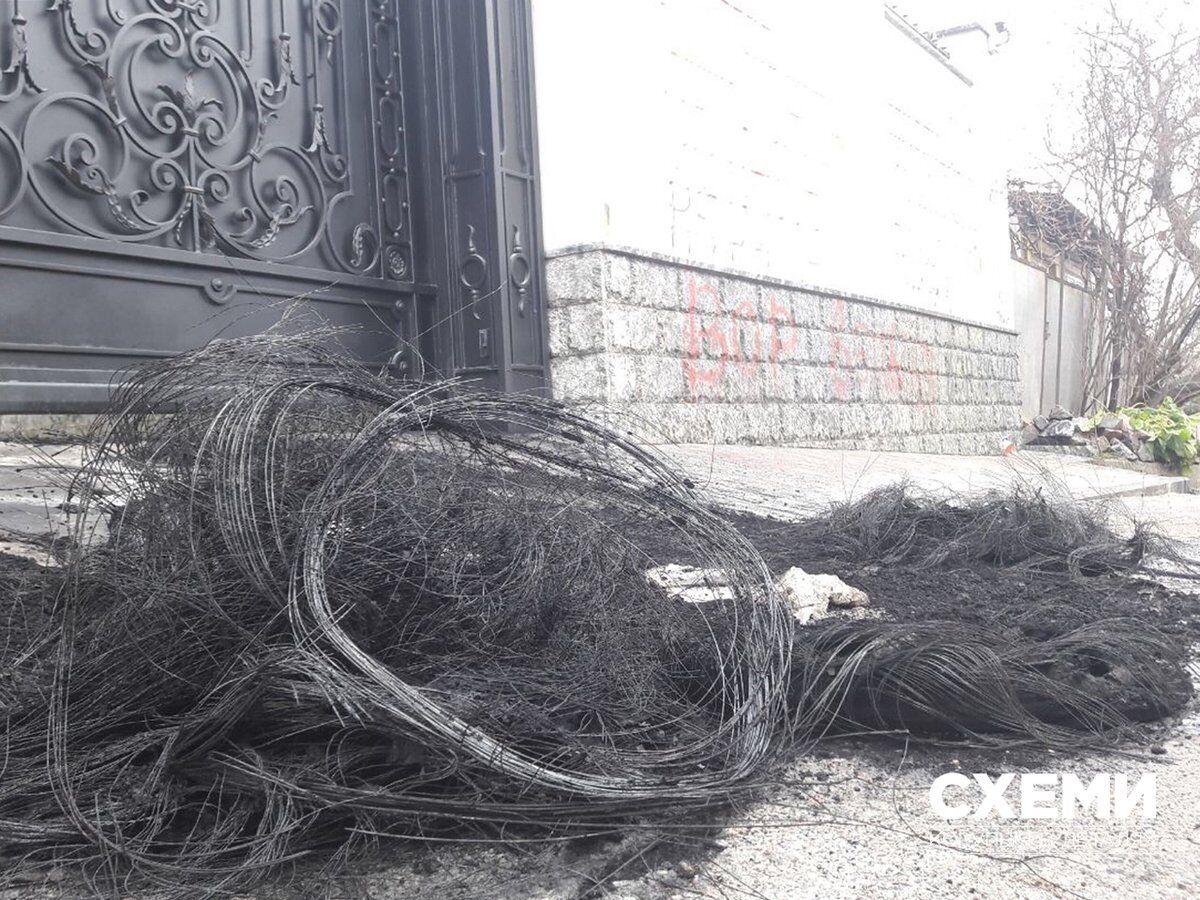 В Киеве подожгли шины под домом экс-соратника Януковича