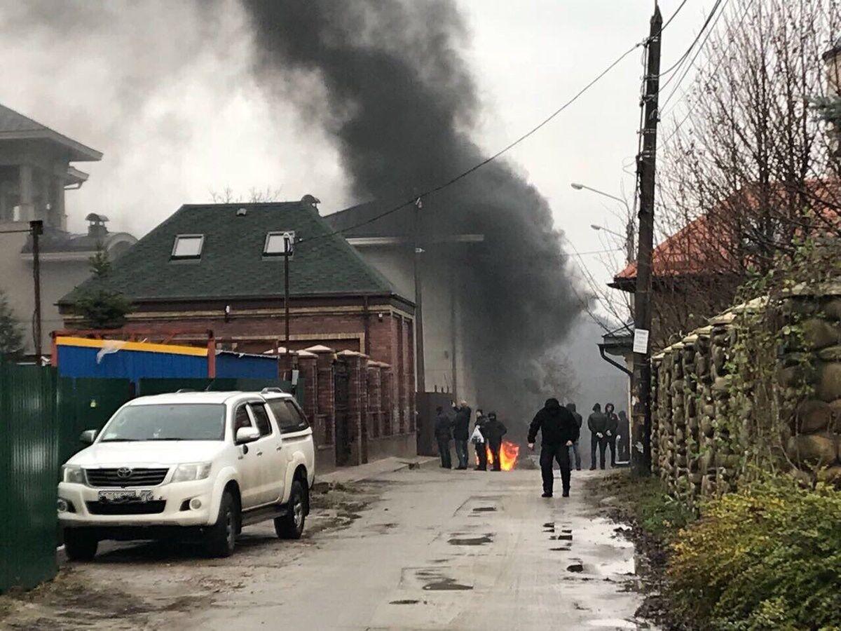 """""""Я гражданин Израиля"""": экс-соратник Януковича отреагировал на поджоги"""