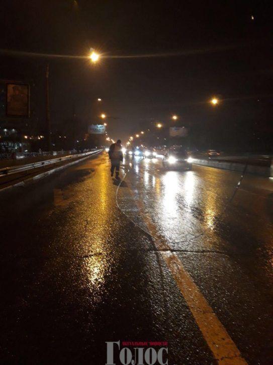 В Запорожье на дамбе троллейбус и две маршрутки попали в аварию (ФОТО)