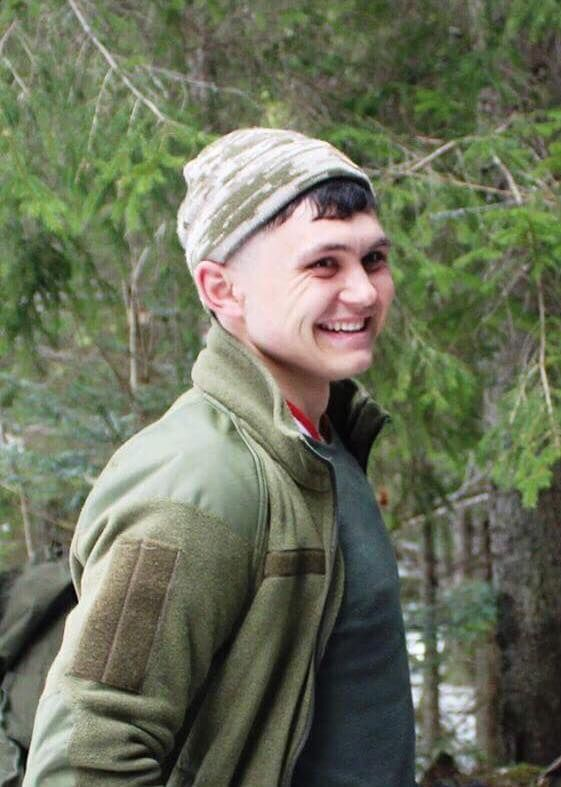 Молодые и красивые: в сеть попали фото бойцов АТО, погибших на Донбассе