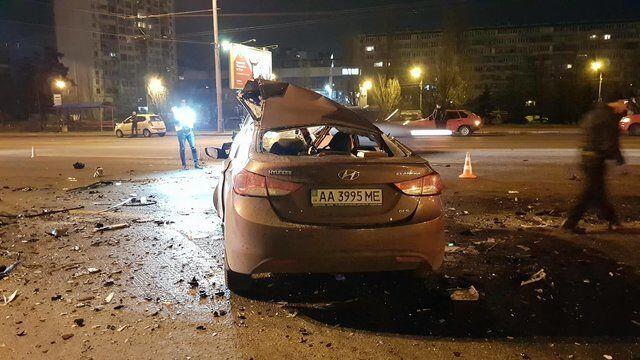 """Машини """"в хлам"""": у Києві в страшному ДТП загинув водій"""