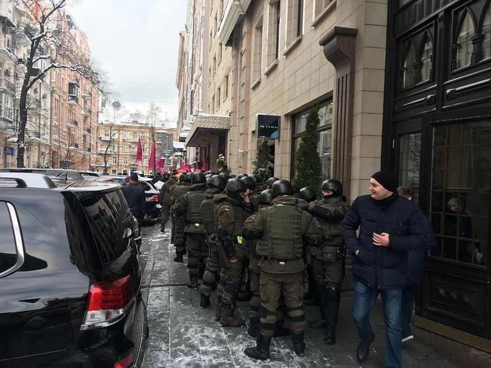 Из Минюста в автозак: Каплина и его сторонников скрутили силовики