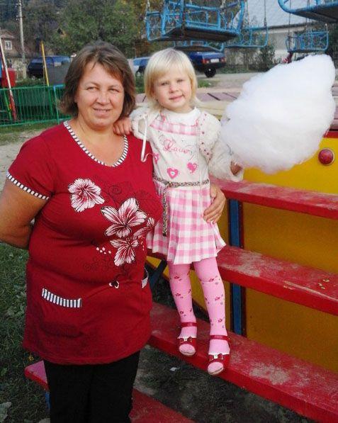 Лидия Вертипорох вместе с 4-летней дочкой Владой