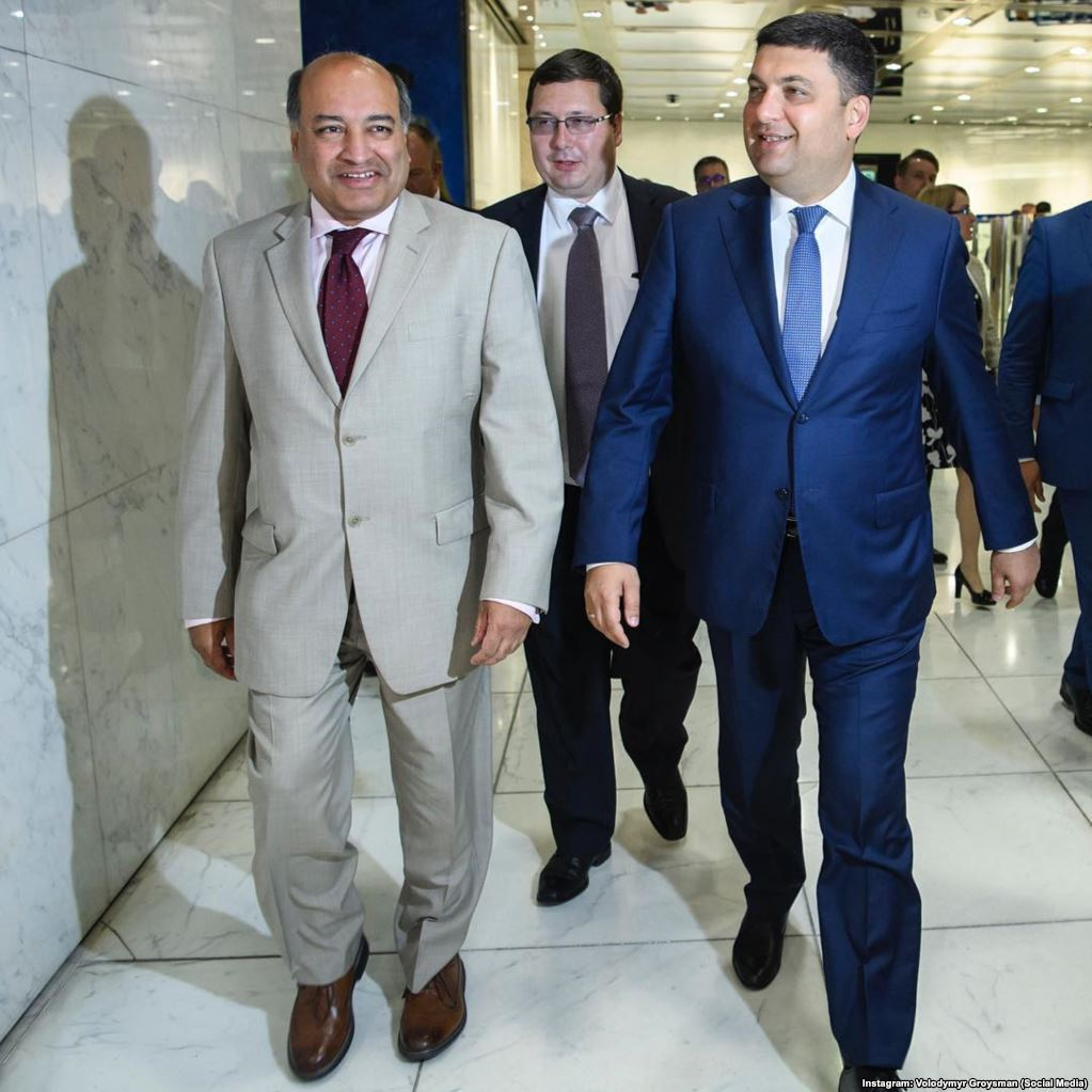 С президентом Европейского банка реконструкции и развития Сумой Чакрабарти