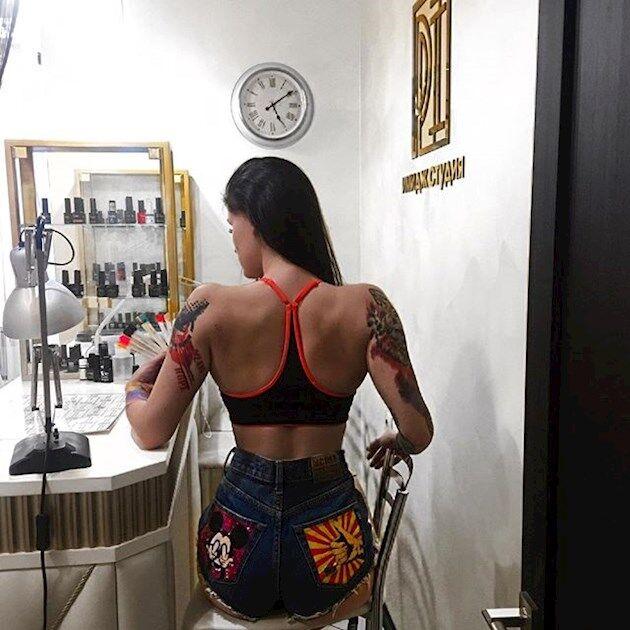 Российская фитнес-тренер, ставшая звездой в СМИ, оказалась проституткой