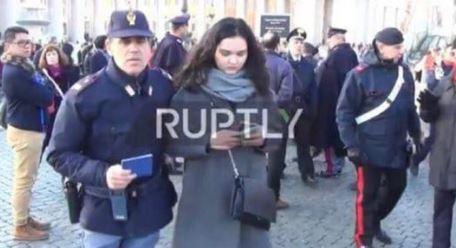 В Ватикане журналистку из Украины задержали на акции секстремисток