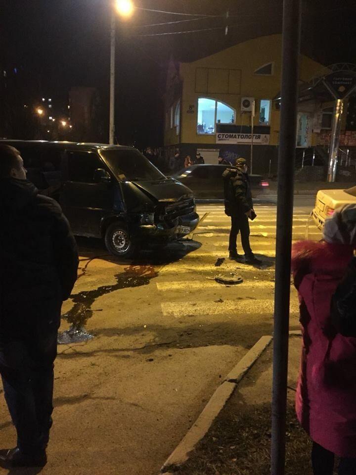 В Івано-Франківську п'яний священик на Mercedes влаштував ДТП і втік