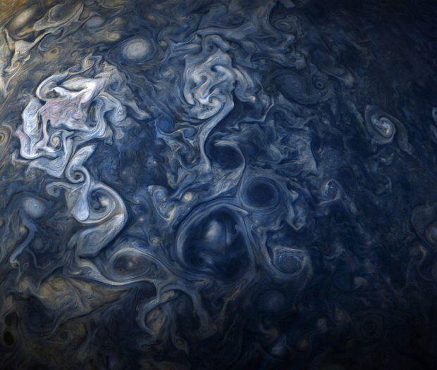 NASA опублікувала знімок хмар на Юпітері, що захоплює подих