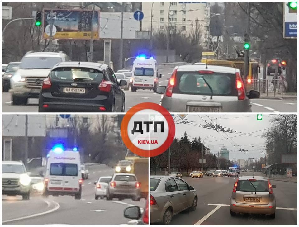 Водители пропустили скорую в Охматдет