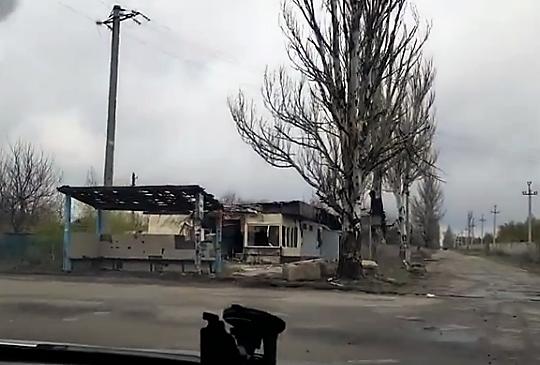 """""""Дорога смерти"""": в сети показали, как выглядит путь к аэропорту Донецка"""
