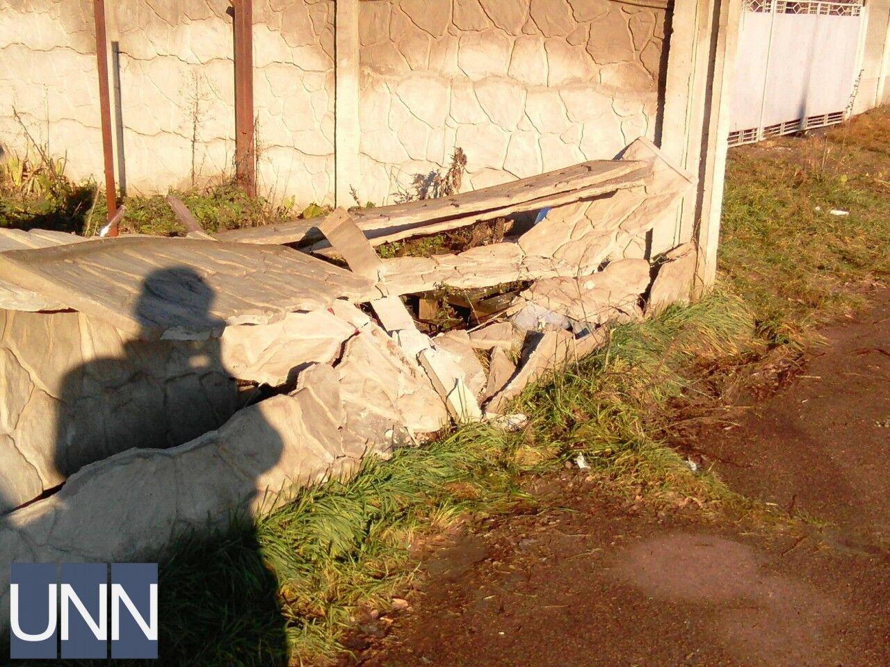 В Житомире автомобиль въехал в остановку: среди пострадавших ребенок