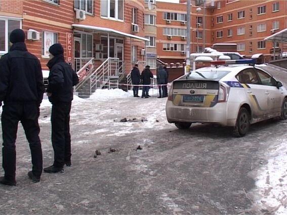 Кровавое ЧП в Киеве на Позняках: соседи рассказали о погибшей женщине