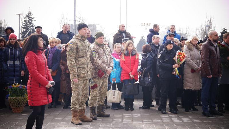 Запорожцы почтили память героев Небесной сотни (ФОТО)