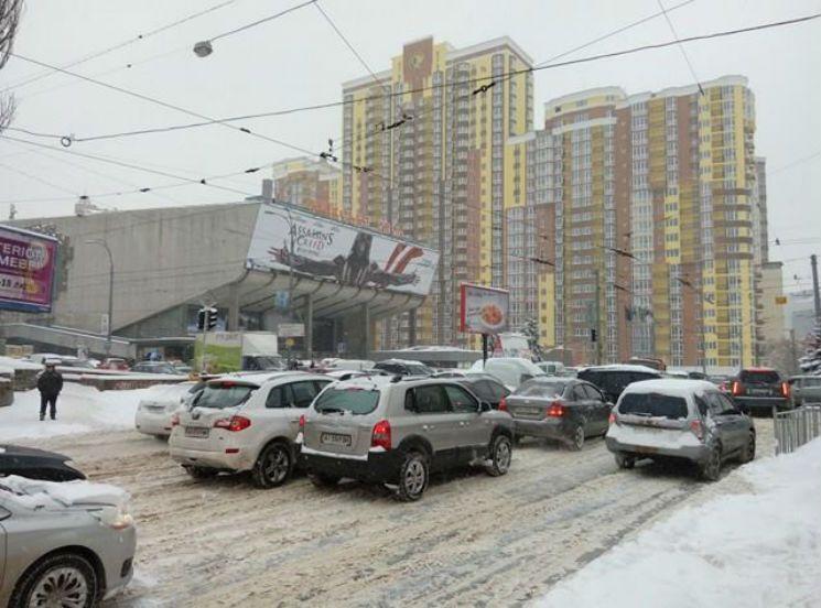 Хамство и бездумность: названа главная причина транспортного коллапса в Киеве