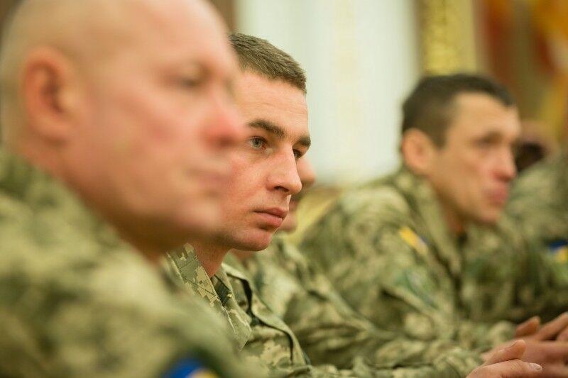 """""""Черная бригада"""" для террористов: Порошенко наградил защитников Авдеевки"""