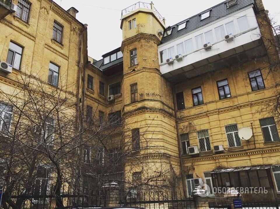 Соцсети всколыхнули фото мегабалконов на домах в Киеве