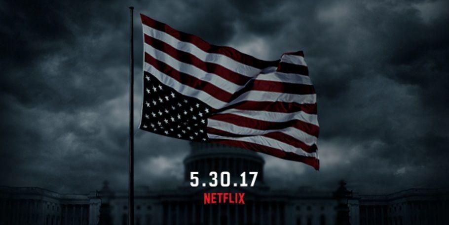 """""""Картковий будиночок?"""" Прес-секретар Трампа потрапив у курйоз із прапором США"""