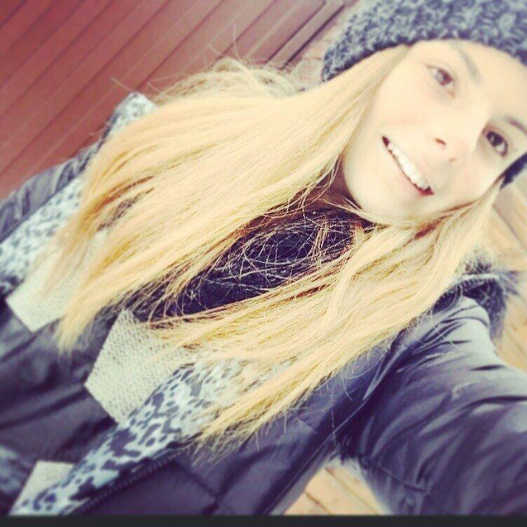 Блогеры выложили личные фото 17-летней украинской чемпионки
