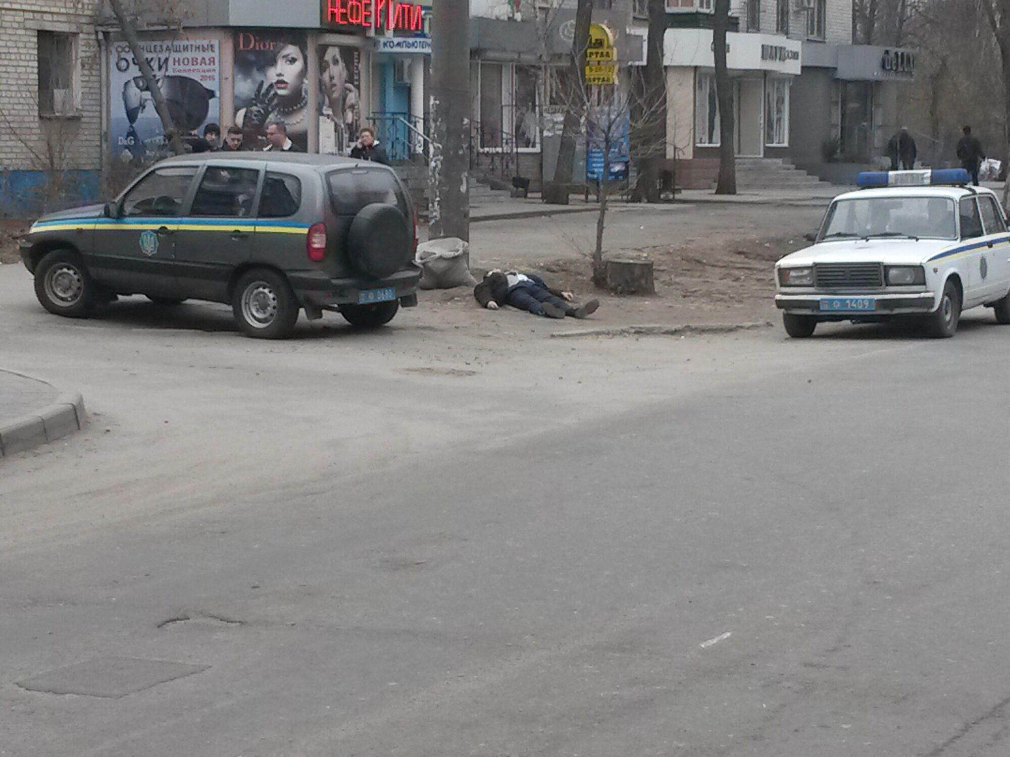 В области мужчина скончался посреди улицы