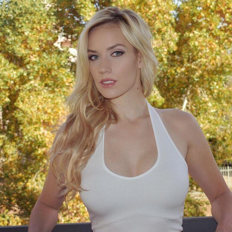 Самая сексуальная гольфистка мира разорвала Instagram роскошными формами