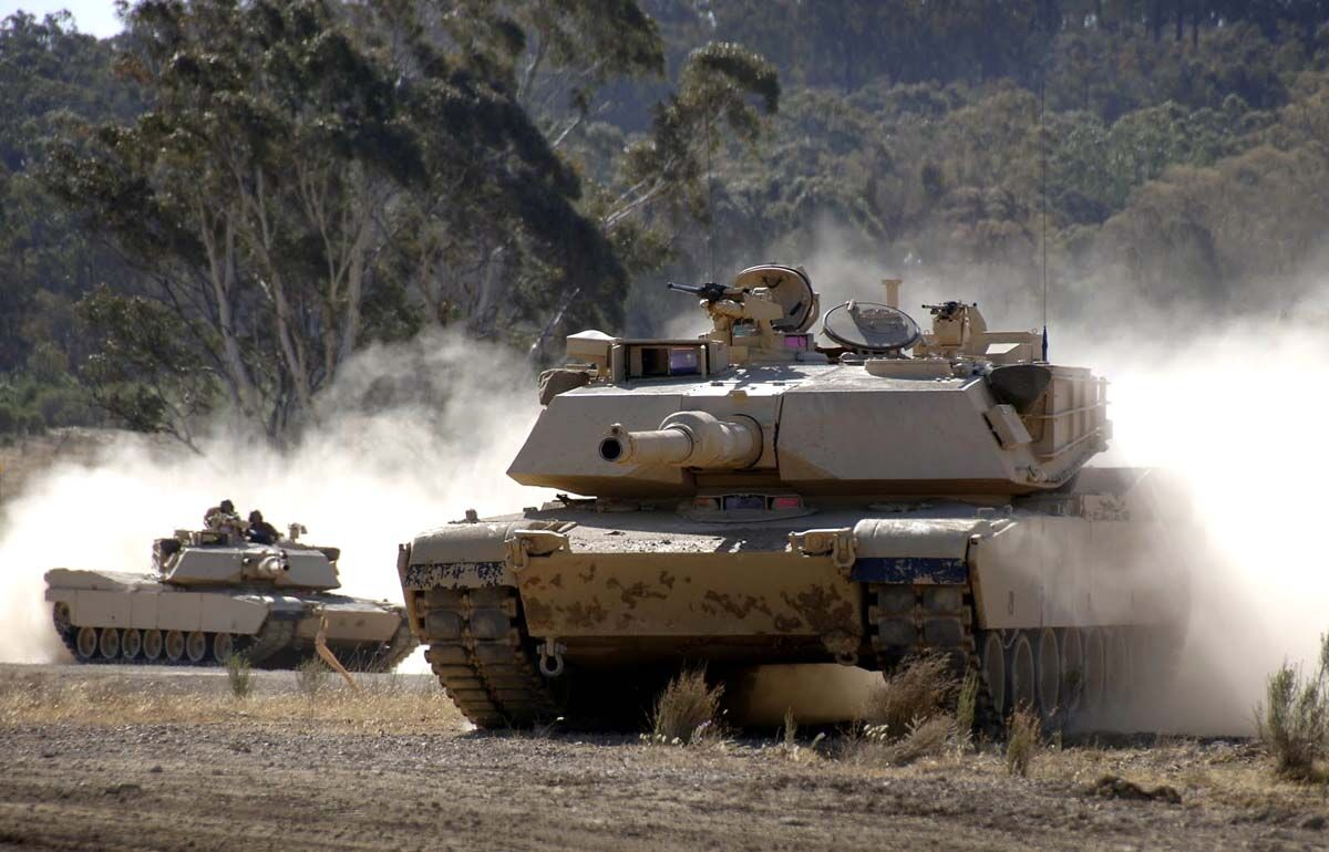 """Оружие Украины: почему """"Оплот"""" один из трех лучших танков в мире - наглядное сравнение"""